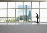 סקירת השוואה לשואבי חלונות ופטנטים לניקוי חלונות!