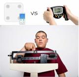 נכנסים לכושר! איזה מוצר מומלץ יותר למדידת אחוז שומן?