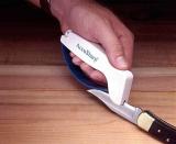 מיקרו-סקירה: משחיז סכינים AccuSharp מעולה וזול בצורה מפתיעה!